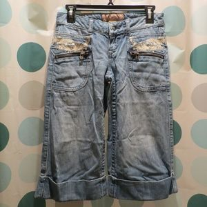 Candie's Women's Capri jeans size 1 with lace